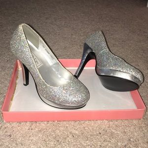 Shoes - Touch Ups | Silver Heels